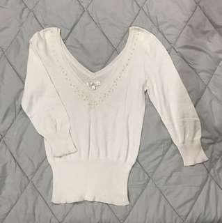 White Sweater Top/ Atasan Sweater Putih