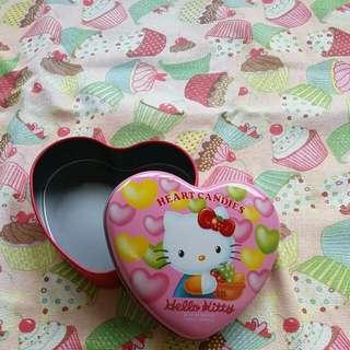 不二家心型Hello Kitty 盒