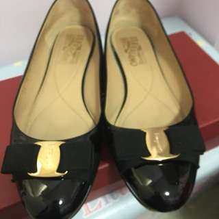 Ferragamo ballet shoes (black)