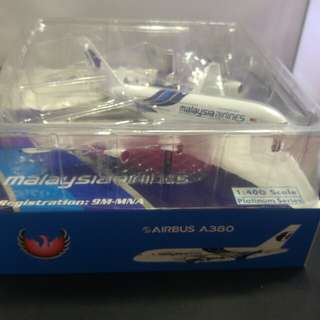 1:400 Malaysia Airlines A380. 9M-MNA aircraft model.