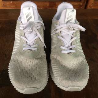 Adidas Alphabounce White, good condition
