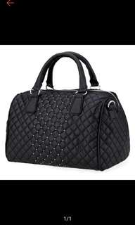 (PO) Women's Black Handbag