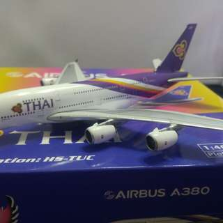 1:400 HS-TUC scale aircraft model. Thai Airways A380 from Phoenix
