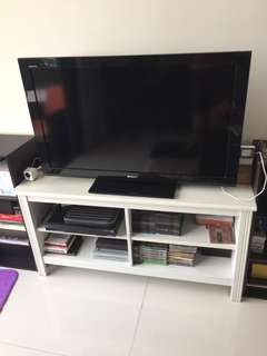 Sony Bravia 40' inch TV with console