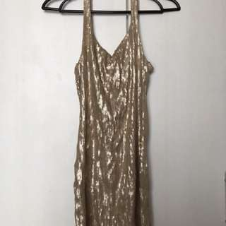 Gold sequined dress (fitted)