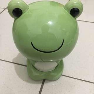 🚚 「嗨嗨」 微笑 青蛙 存錢筒 可愛 卡通 兒童 省錢 存錢 理財 招財 陶瓷