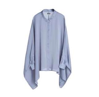 MTWTFSS Weekday Batwing Top