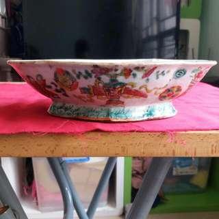 清朝 粉彩瓷碟一隻