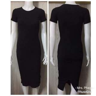 Brand new without tag BLACK BODYCON DRESS SMALL TO MEDIUM FRAME