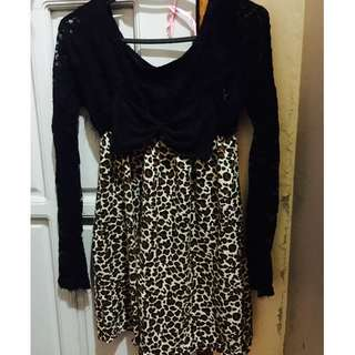 Black/Leopard Top with ribbon