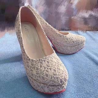 🚚 二手-米白蕾絲白金編婚鞋(鞋跟12cm)