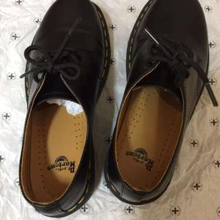 正品 Dr.Martens 1461 3-eye shoe UK6號