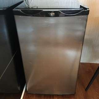 Whirlpool Fridge Refrigerator Cooler W12RIX
