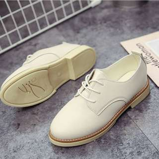 Brogue Women Oxford College Style Flat Shoes (Beige)