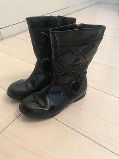Clark 黑色boot
