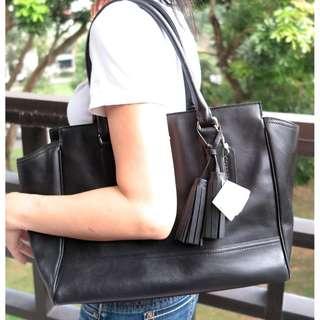 Coach leather black shoulder bag