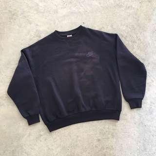 NIKE 90S EMBROIDERED LOGO NAVY PULLOVER