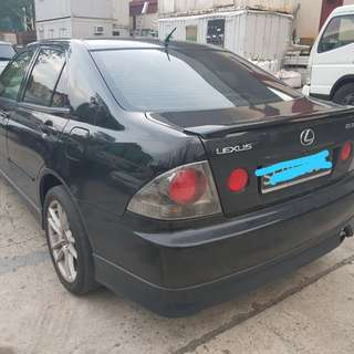 Lexus is200 (toyota alteza) 2.0 sunroof