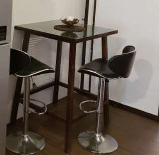 High Table with Tempered Glass Top (Mint)