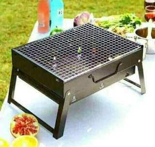 Foldable barbecue grill
