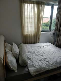 En-suite Common room to let with friendly flatmates