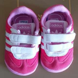 98新,adidas bb鞋內長10CM,$120