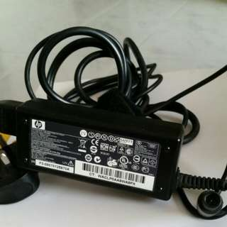 Original hp Laptop Charger 18.5v..3.5A 65w.good condition only $15