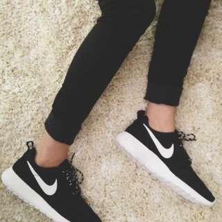 LF nike roshe B&W shoes [ FOUND ]