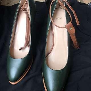 Boss leather shoe