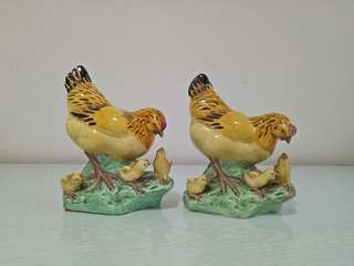 60s Clay hen with three chicks height 13cm perfect condition 2pcs $70