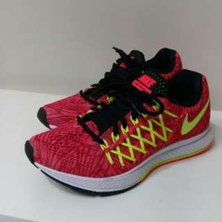 Nike 女裝跑鞋 5號