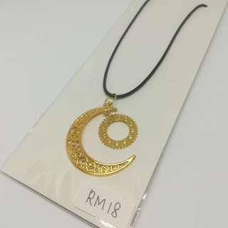Moon collection with big gear necklace