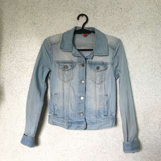 Divided by h&m light washed denim jacket
