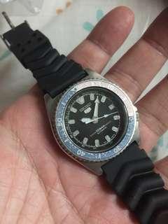 seiko vintage diver 40mm (7002 7010)