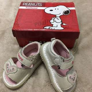 Peanuts baby girl shoes