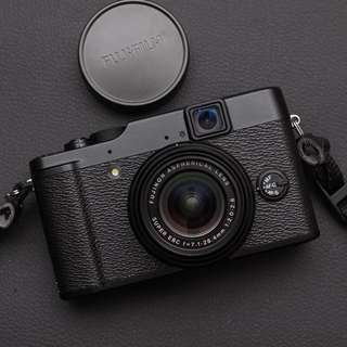 Fujifilm X10 12 MP EXR CMOS Digital Camera