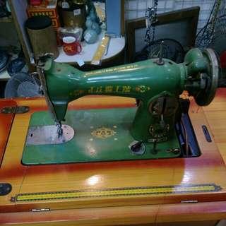 早期縫紉機(自取)