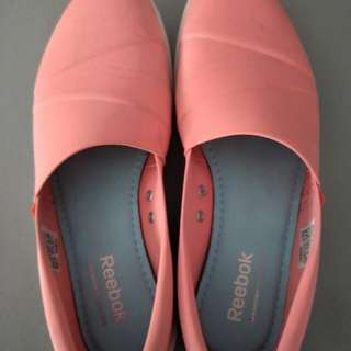 reebok walking soft pink shoes