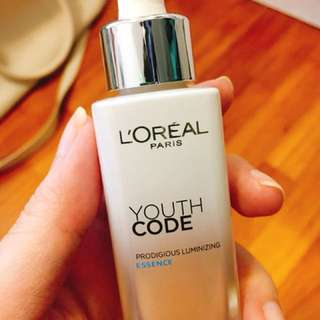 Loreal Youth Code Luminizing Essence