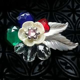 Vintage Floral Brooch / Pin