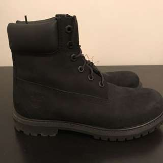 Timberlands Black Size 8