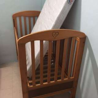 2nd hand Baby Cot with brand new mattress