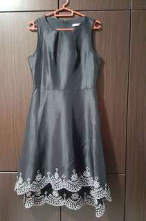 Beautiful black dress for ladies