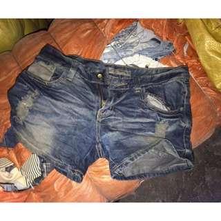 Sexy shorts denim 380 pcs more or less