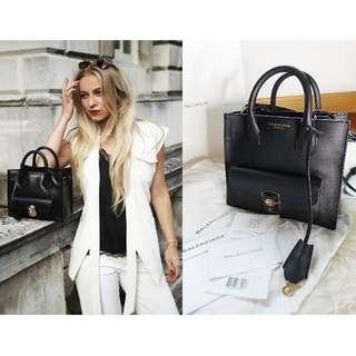 真品 有單近全新全包裝 Auth Balenciaga bag like Kylie Jenner