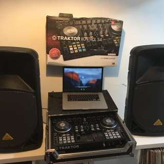 Traktor S4 and Speakers