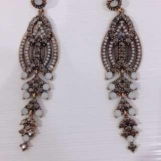 Vintage classy dinner earring