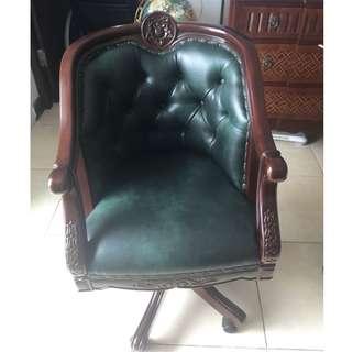 Kursi Kantor Hijau Klasik - Classic Office Green Chair