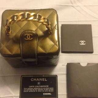 Chanel 手提箱包100%真品可以Chanel專門店交易