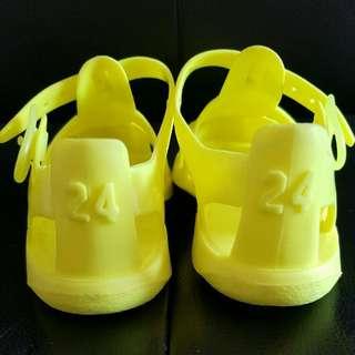 Sepatu Zara Anak